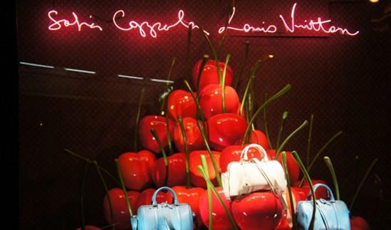 法国精品百货LV橱窗设计