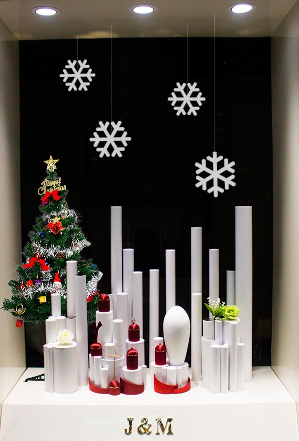 佳缘美圣诞橱窗设计02舞动的城堡