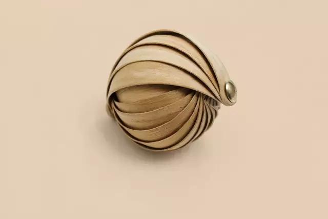 今天深圳 很有创意的首饰包装设计,纯手工打造的木材材质珠宝首饰包装