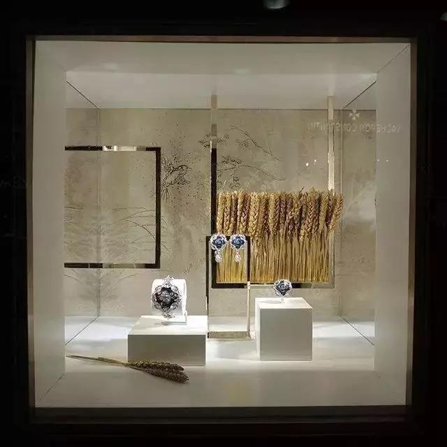 【首饰包装】秋季珠宝橱窗,怎样陈列好看到爆?