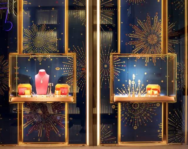 烟花之夜,宝格丽新年橱窗璀璨绽放图片
