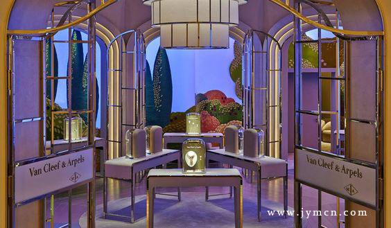 梵克雅宝珠宝橱窗陈列之幻美自然,有没有惊艳到你?